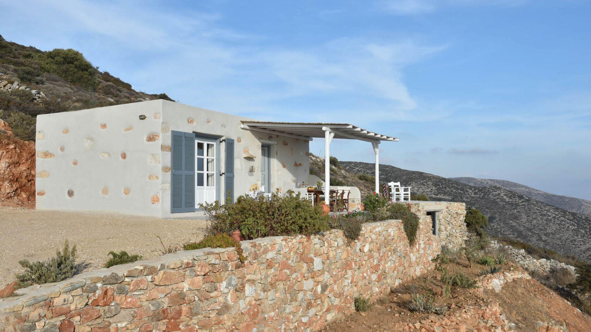 Eagle S Nest Agkeria Agioi Theodori Apartments In Paros