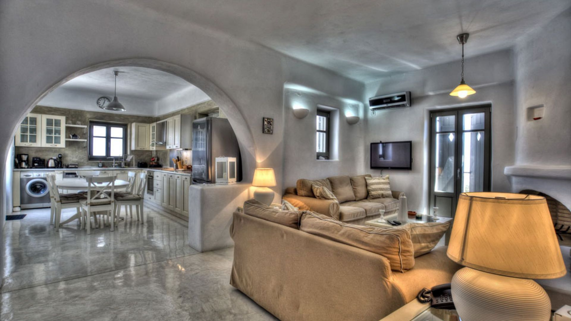 Majestic Naoussa Hill Suite 70 sq.m