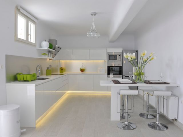 Fully equipped and exceptional design kitchen